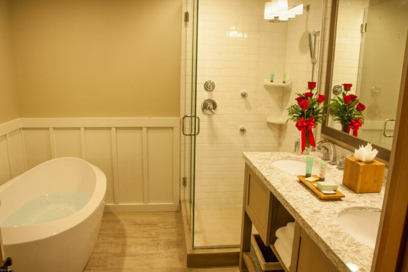 Oceanfront King Studio bathroom set up with romantic roses